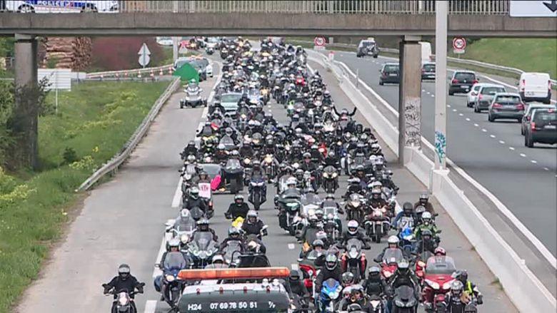 Des centaines de motards ont manifesté ce samedi à La Rochelle / © Francetv,